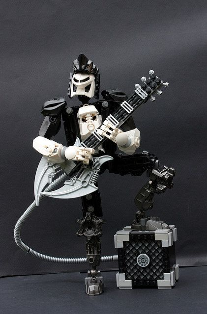 The axe man cometh | The Brothers Brick | LEGO Blog