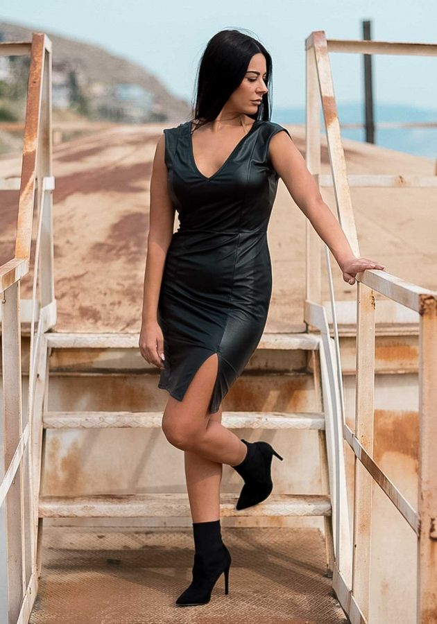 03d2c531081e Φόρεμα mini δερματίνη  fashionista  dress  girls  mystyle  outfit   lookoftheday aboutalook  styleblogger  greekstagram  stylishgirl   instastyle ...