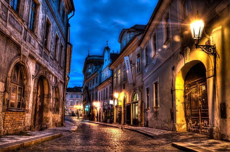 (50) Prague – hledání na Twitteru