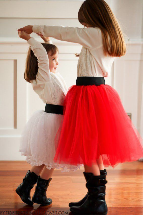 """3c55382512 ... from """"Tidbits"""" back today, sharing her darling Holiday Tulle Skirts  that she made for her little girls! The fluff is amazing, the elastic waist  band is ..."""