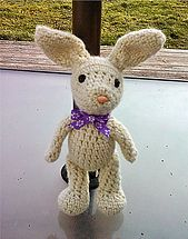 Crochet bunny and carrot pouch