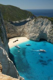 Four Greek beaches make CNN's top 100 list