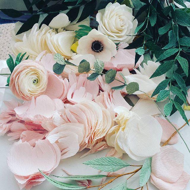 ... work in progres! #paperflowers #paperpettals #workinprogress #crepepaperflowers #craft