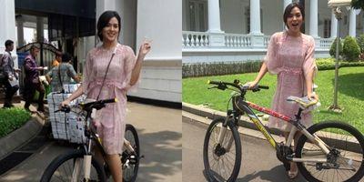 112.283 Facebookers Incar Sepeda Jokowi https://malangtoday.net/wp-content/uploads/2017/04/a.jpg MALANGTODAY.NET – Sejumlah 112.283 facebookers menjadi peminat hadiah sepeda dari Presiden Joko Widodo. Hadiah sepeda tersebut dapat diperoleh dengan mengikuti kuis #sepedaJokowi di akun Facebook resmi Presiden terlebih dahulu. Kuis #sepedaJokowi sudah mengantungi sedikitnya 119.187... https://malangtoday.net/flash/nasional/112-283-facebookers-incar-sepeda-jokowi/
