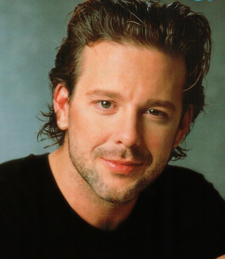 Mickey Rourke. I'm not a fan of all of his work, but he can turn in some great performances when he puts his mind to it. Either doing without drugs or doubling down, something works and he clicks.