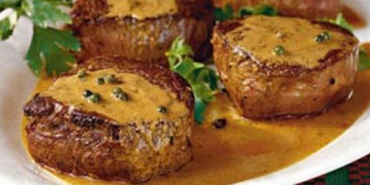 L'entrecôteal pepe verde è uno dei secondi piatti più raffinati, apprezzato e diffuso in tutta Italia. È molto semplice da preparare e davveroveloce. Se volete far bella figura con i vostri ospiti si tratta sicuramentedi una ricetta molto amata. Ricordate. però, che nonostante la sua semplicità è un piatto sostanzioso in quanto la carne viene […]