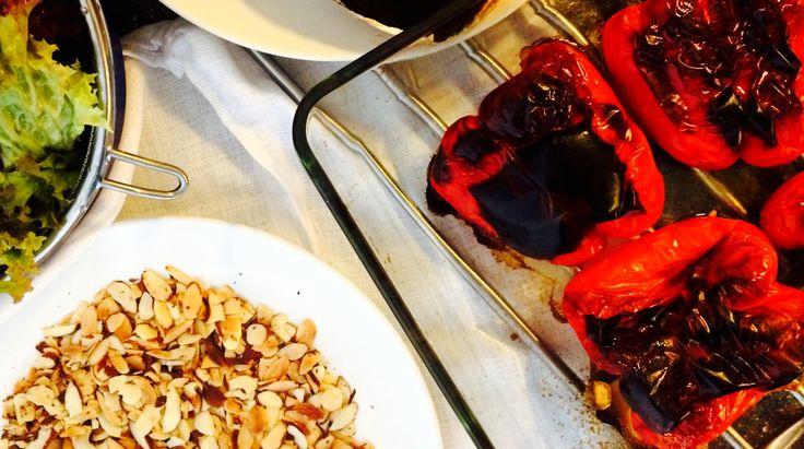 Polenta og portobello med bakt paprika-saus