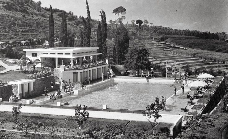 Het zwembad Selecta zwembad = kolam renang