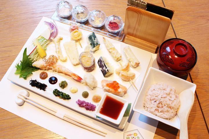 「ビューティー&ヘルシー」がテーマ♪ 会席料理のように美しい、ひと口サイズの新感覚天ぷらを|ことりっぷ