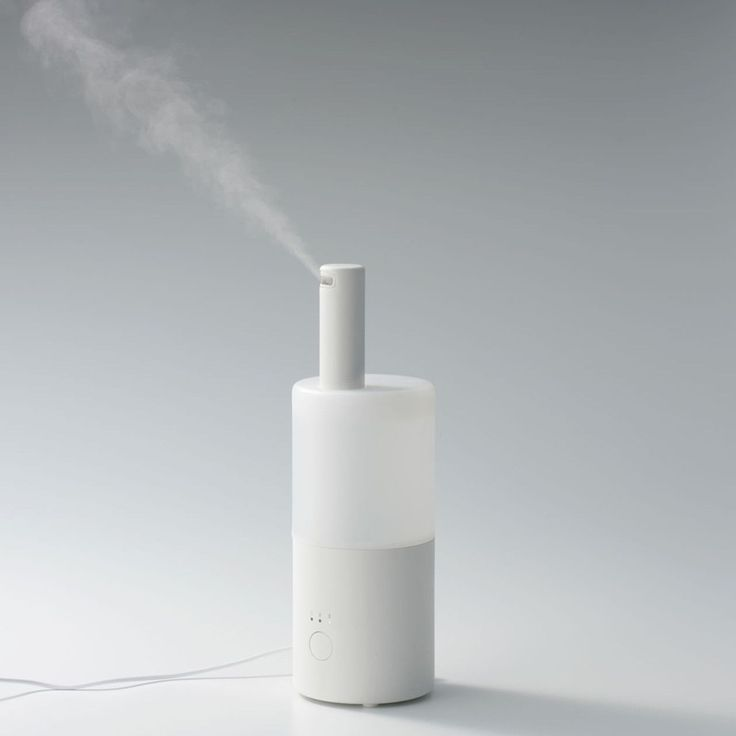 Kazushige Miyake's new ultrasonic humidifier for MUJI aims upward in minimalist design and humidifying function.