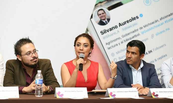 CAPACITAN A ENLACES DE COMUNICACIÓN EN MANEJO DE REDES SOCIALES
