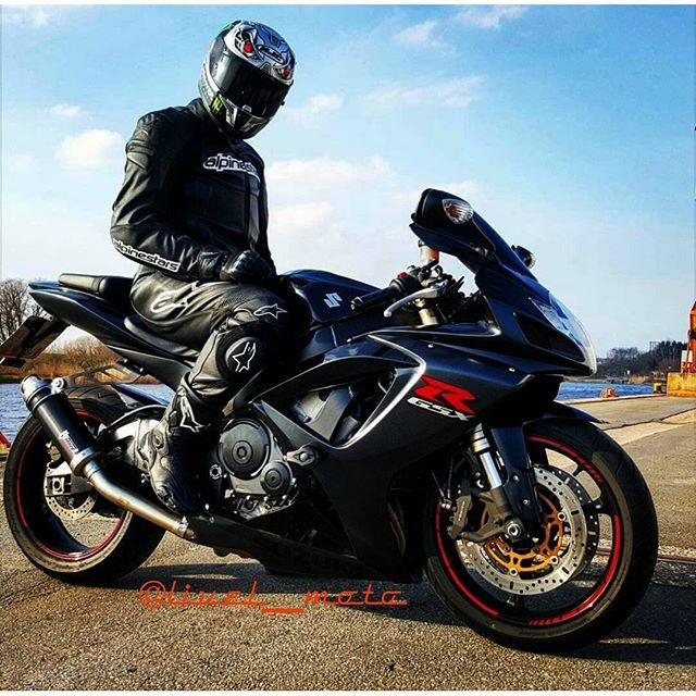 ❎Hey Yaw! WAZZUP! Check my ride. Its my K6 Gsxr 600rr with loud ass  MIVV GP e