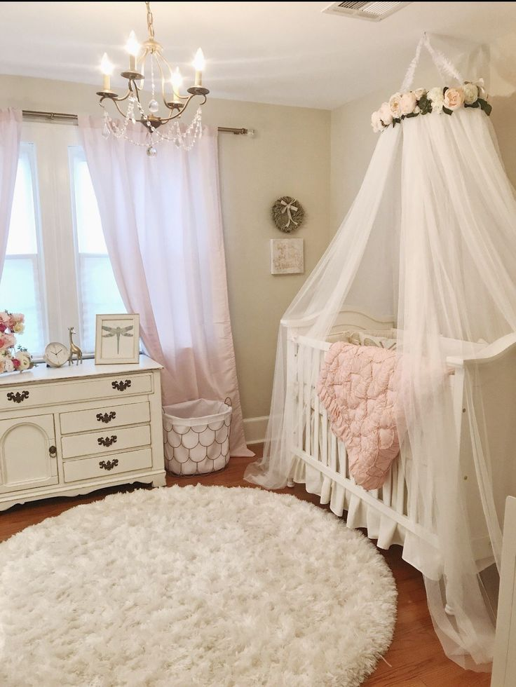 Shabby Chic Bedroom Furniture 3 Pieces Of White Shabby Chic Furniture To Transform Your Bedroom Mit Bildern Shabby Chic Wohnzimmer Shabby Chic Betten Chic Wohnzimmer