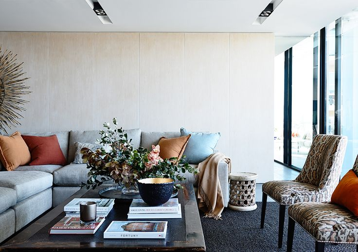 #adelaidebragg #interiordesign #sydneyapartment #contemporaryliving #livingroom #sofa