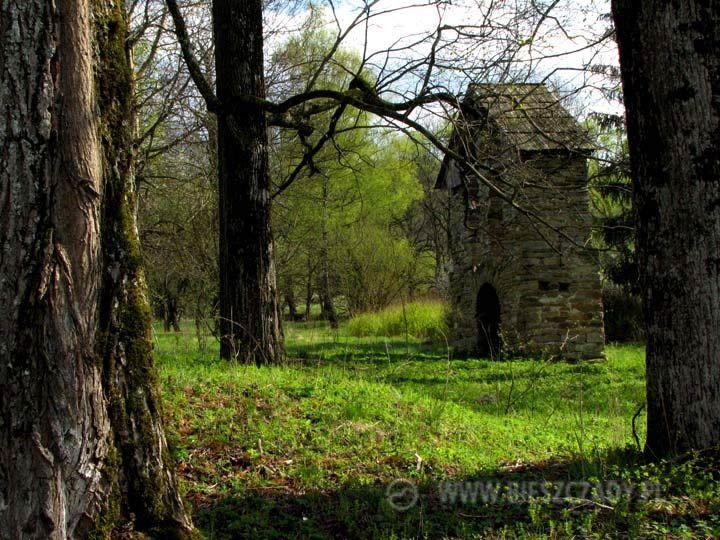 Stara dzwonnica w Tworylnem