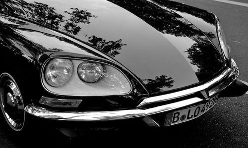 DS - These headlights were turning with the wheels.