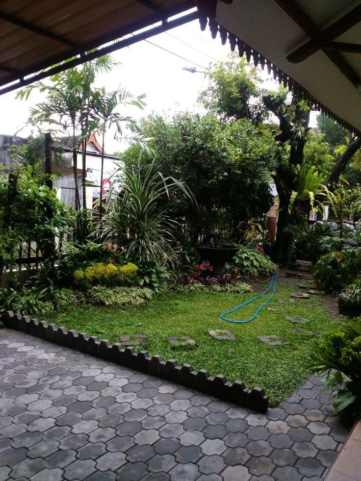 halaman depan rumah - Yogyakarta