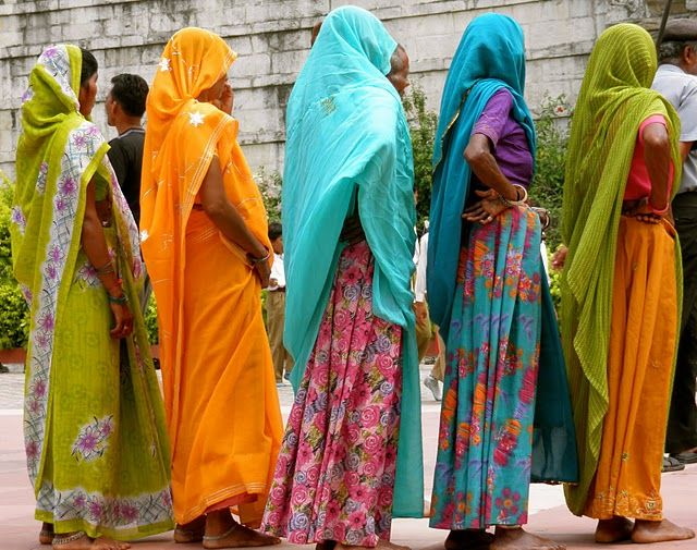 I love the colors of India!