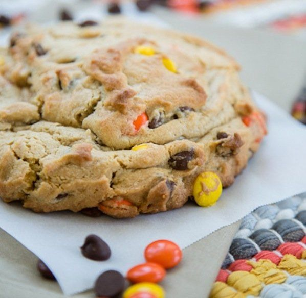 7 Single-Serve Cookies For When You Need Something a Little Sweet - this helps solve my biggest problem with cookie-making: only wanting one but ending up with 2-dozen instead!