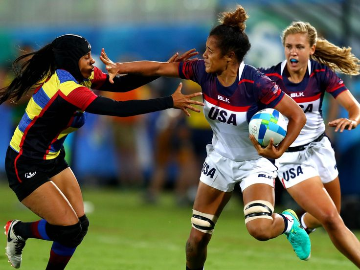 Colombia forward Isabel Cristina Romero Benitez (6) gets a hand to her face by…