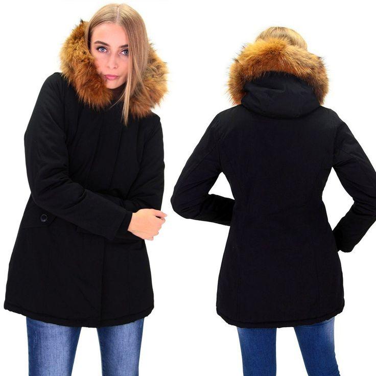Fashion Planet heeft een ruime collectie winterjassen en bontjassen voor zowel damesals heren. Onze Heren jassen kunt u online bestellen maar u kunt deze jassen met bontkraag ook komen passen in onze winkel in Amsterdam.-Dames Zwart Winterjas met Grote Bont DJ041 | Modedam.nl- Kleur: Zwa