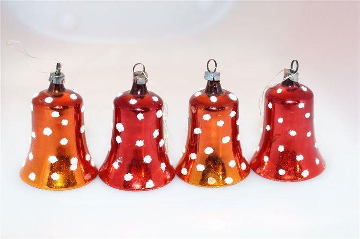 Annons på Tradera: Gamla julgranskulor - klockor med glaskläpp - så fina och med vackert ljud!