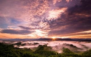 фиолетовое небо, облака