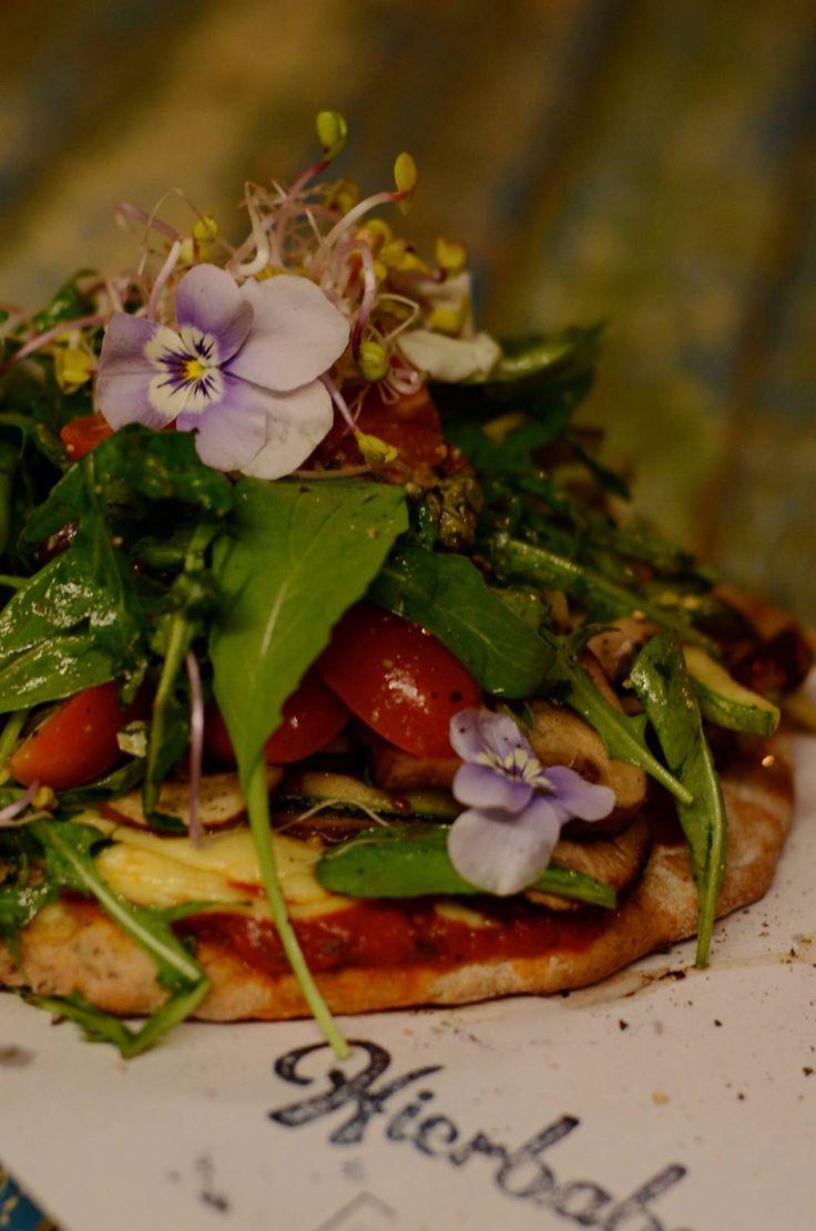 Pizza vegetariana en Hierbabuena