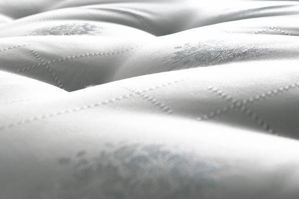 A megfelelő matrac elengedhetetlen a tökéletes pihenéshez. Nálunk kiváló minőségű termékek közül válogathat!  http://www.horvathesfiai.hu/termekeink/category/matracok