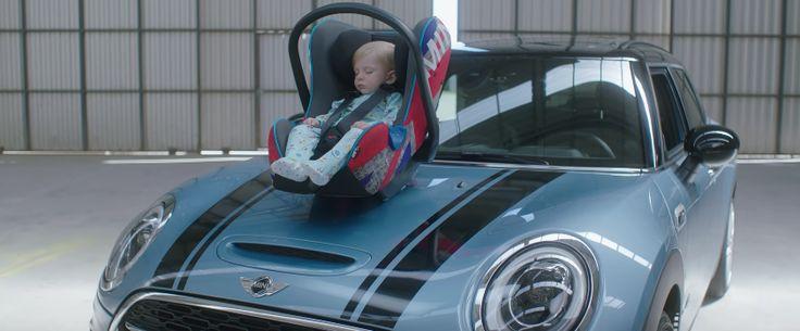 MINI endort les bébés grâce au bruit de ses moteurs