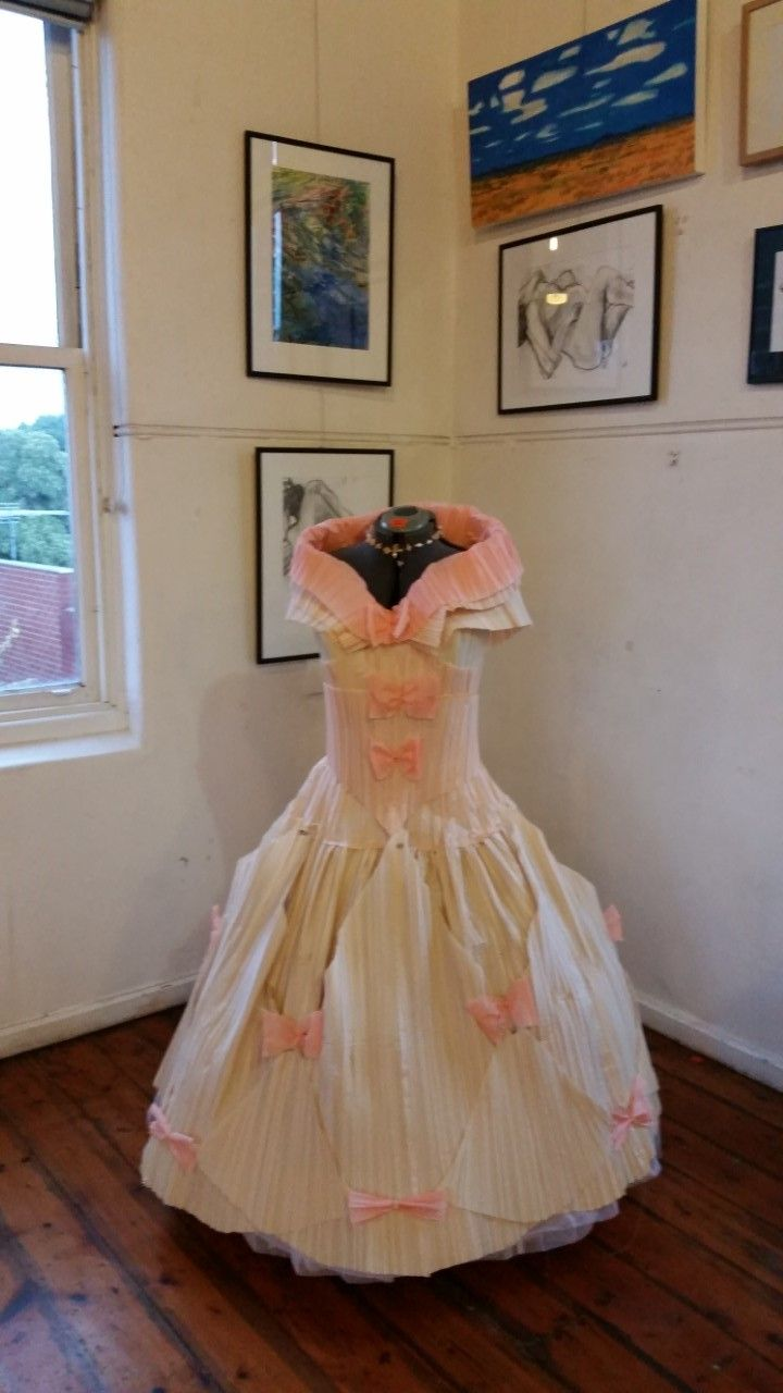 The amazing paper dress by costumiere Denise O'Hare