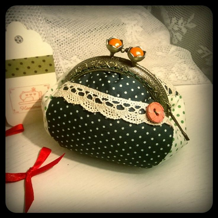 Another sweety coin purse vintage pois!!! ^_^  www.facebook.com/dubleve.vv