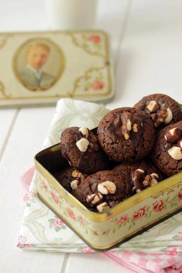 Chocolate Cookies with marshmallows & orange butter glaze, by, Lisbeth's cupcakes & cookies