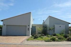 Langebaan Self-catering, The house can comfortably sleep six people and is fully equipped for self-catering.