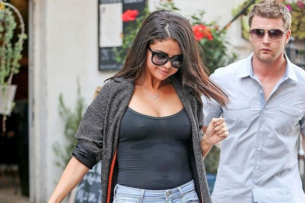 Selena Gomez Looks Happier and Beautiful After Weight Gain #JustinBieber, #SelenaGomez, #Zedd