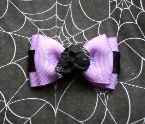 Hey, I found this really awesome Etsy listing at https://www.etsy.com/listing/267582241/skull-pastel-gothlolita-hair-bow