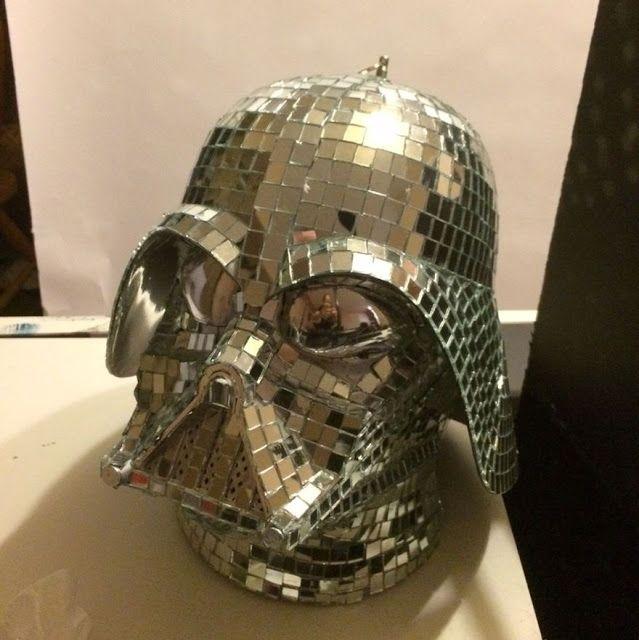Bola de discoteca Darth Vader para  animar tus  fiestas de Star Wars