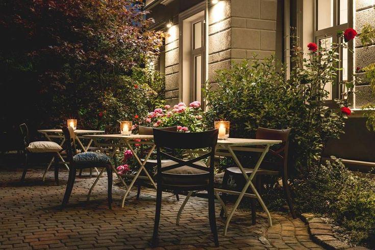 Hotel Villa Błękit - Mielno, Polska. Projekt Dorota Szelągowska, Krzesło Papatya X Sera #magic #evening #hotel #hoteldesign #beautiful #hagea