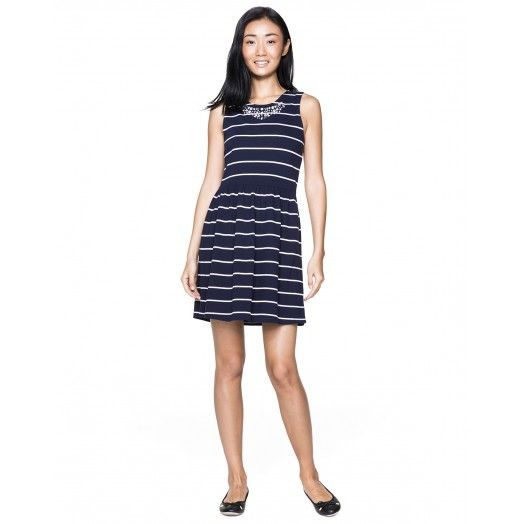 Striped cotton dress with collar embellished with gemstones of various shapes and colors. Ideal for a city stroll.