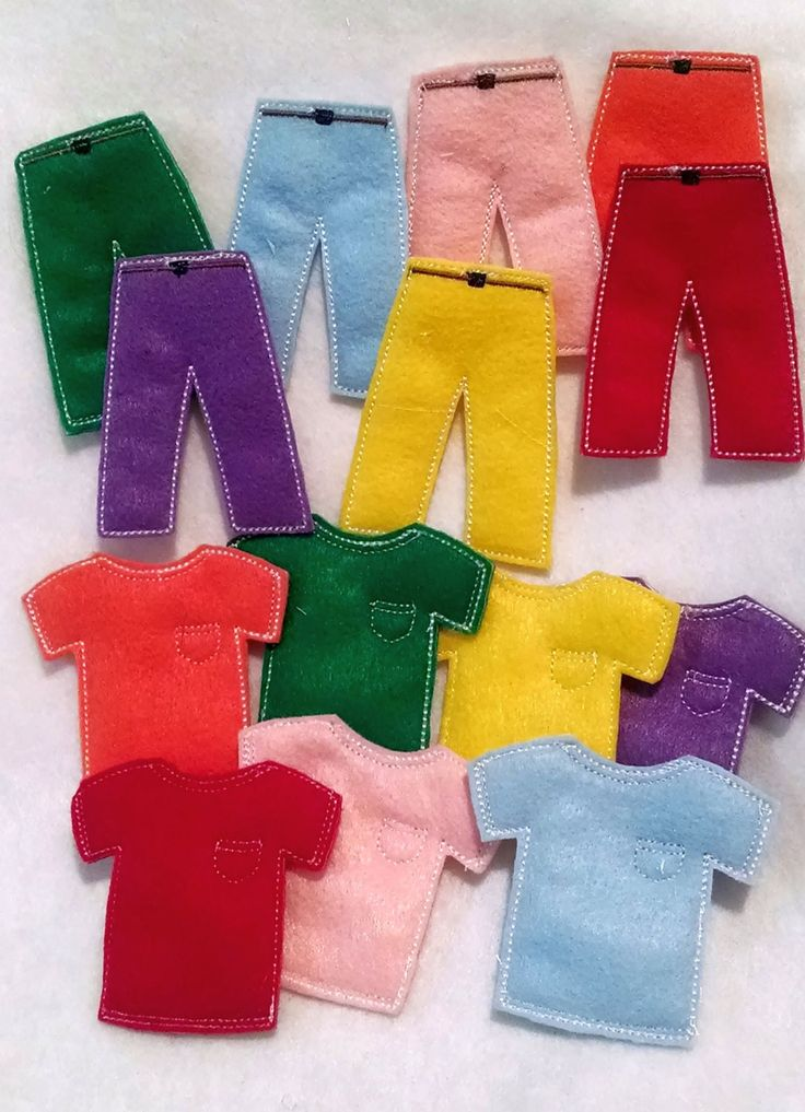 Felt Learn your colors matching Game set includes 7 sets of clothing - great for busy bags