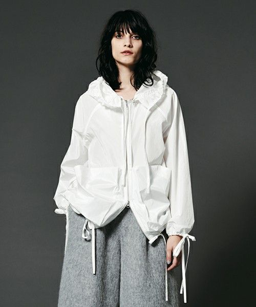 MADE IN HEAVEN(メイドインヘブン)のOUR URBEN OUTFITTERS(ナイロンジャケット)|ホワイト