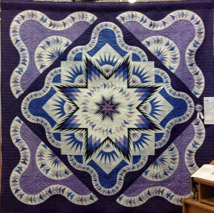 Glacier Star, Quiltworx.com, Made by Jan Hagemeister, Quilted by Jan McDaniel
