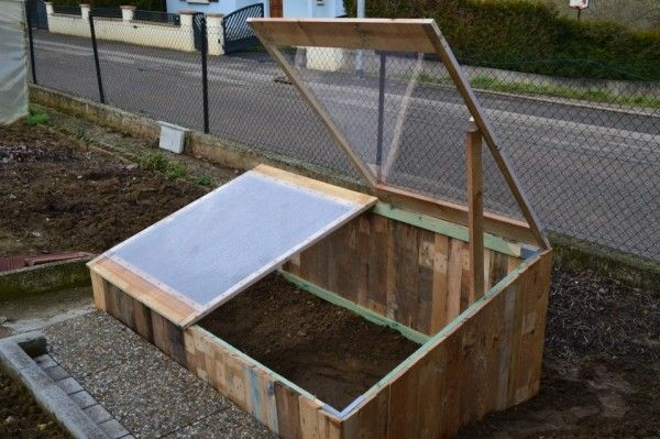 $10 pallet greenhouse
