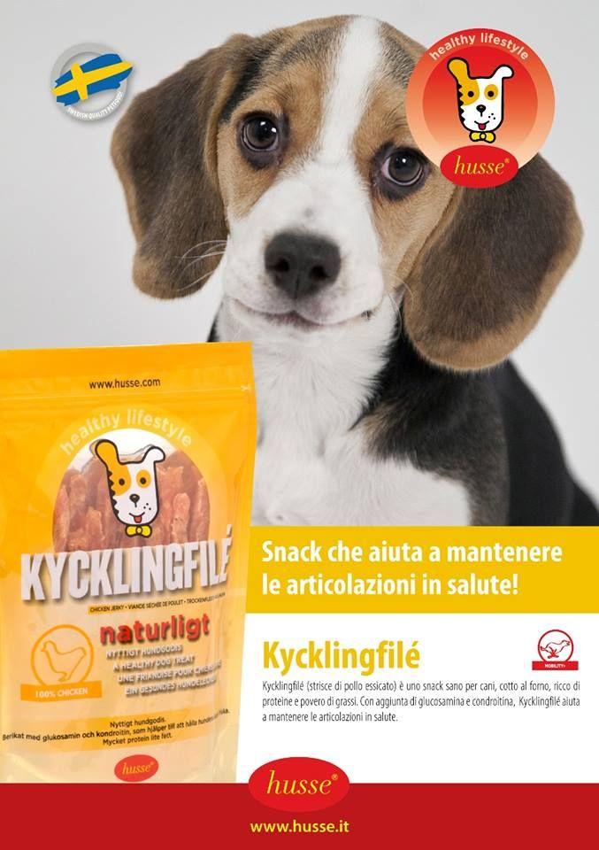 Kycklingfilé  Snack che aiuta a mantenere le articolazioni in salute! Kycklingfilé (strisce di pollo essicato) è uno snack sano per cani, cotto al forno, ricco di proteine e povero di grassi.  Con aggiunta di glucosamina e condroitina, Kycklingfilé aiuta a mantenere le articolazioni in salute.