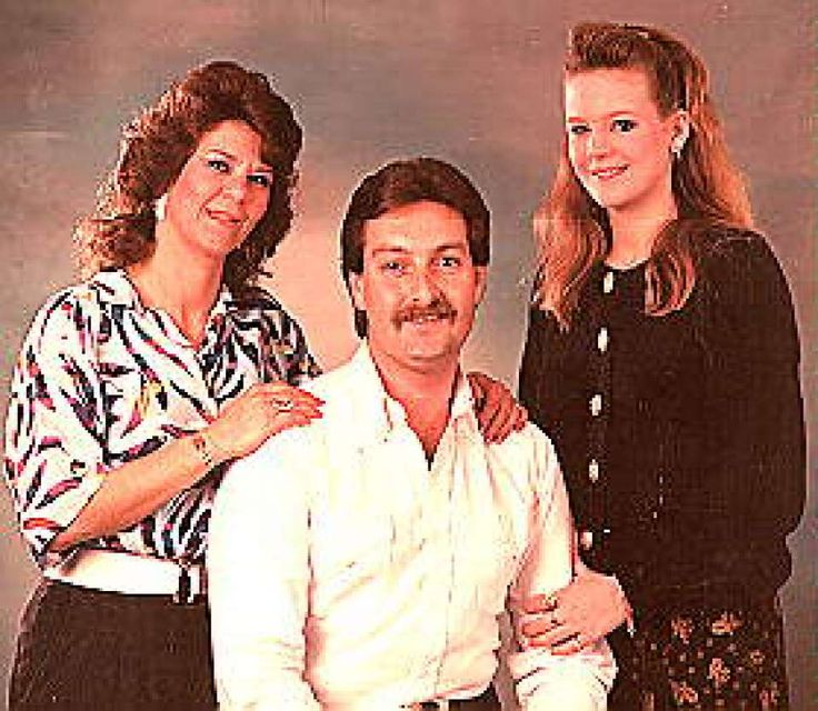 """PasadenaDetta Dee Taylor Maris, 35, far left, was last seen at her home on July 4, 1990. Her decomposed body was found eight months later in a rice field in Liberty County. Police said Maris' husband """"has been evasive"""" since her disappearance, and there is little information in the case."""