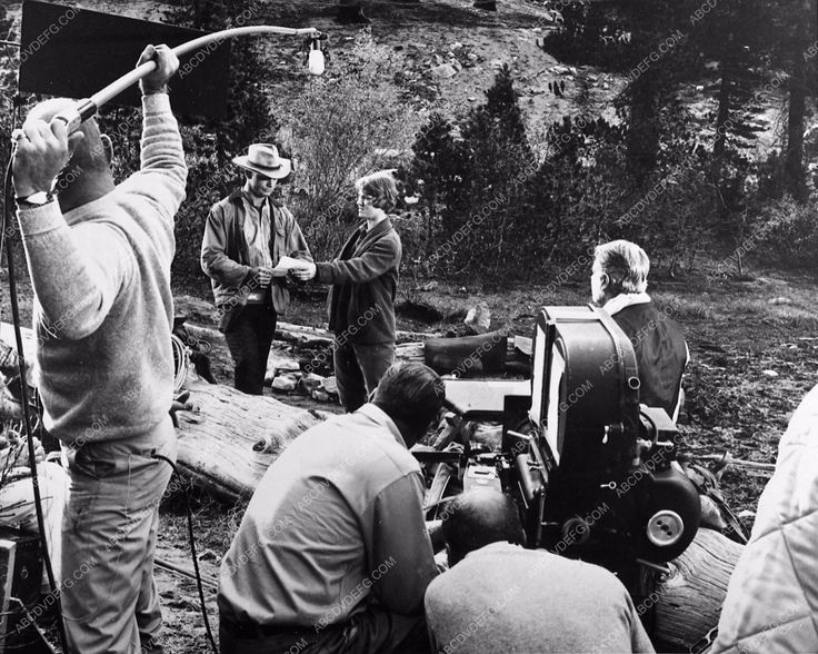 photo Sam Peckinpah directs Mariette Hartley and cast Ride the High Country 667-24