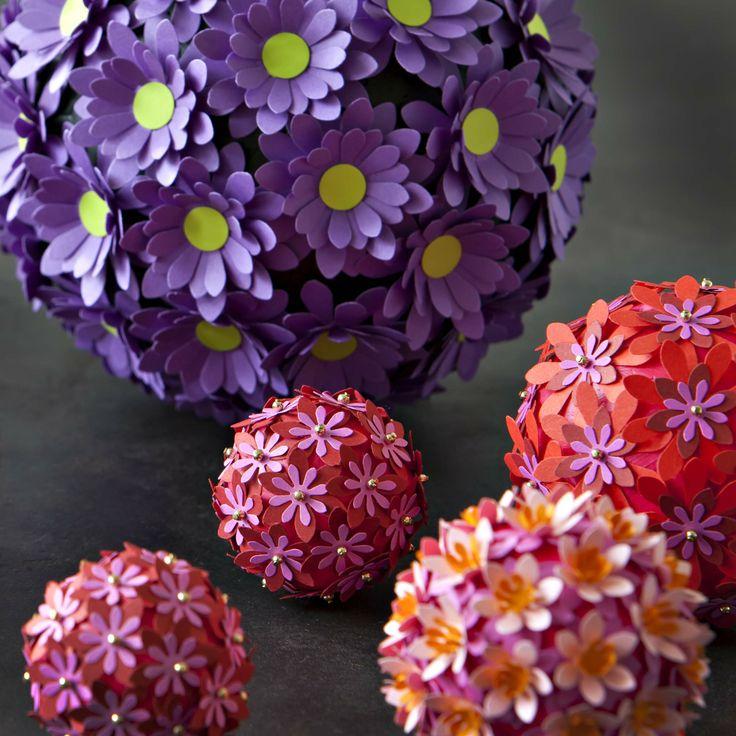 BLOMSTERKUGLER Dekorationsløsninger med langtidsholdbare blomster. www.jannielehmann.dk