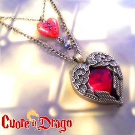A resin ruby nestled between two wings and a lil' handmade heart: Cuore di Drago is a timeless necklace! Find it on www.Delicute.com