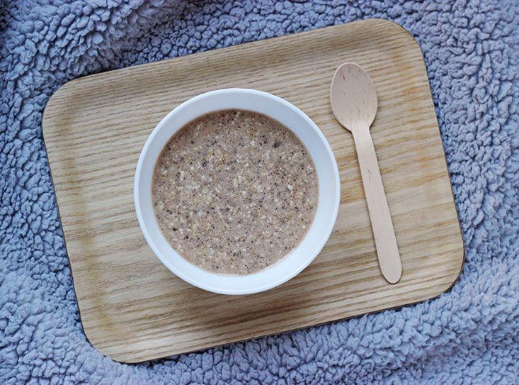 Le porridge, c'est le petit-déjeuner des matins tranquilles de mon enfance. Nous l'appelions oatmeal (papa américain oblige), et je lecomplétais pour ma part d'une portion généreuse de cassonade (maman belge oblige) et d'une bonne lampée de lait. Avec l'âge, et toutes mes activités, j'ai pendant longtemps abandonné la tradition, jusqu'àl'été dernier. Épuisée par des moisLire la suite…
