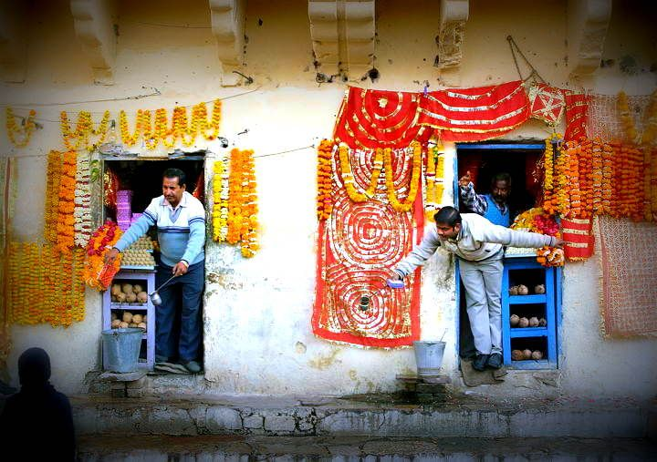 Discover big surprises in the little streets of Jaipur – Morning Walk | Padhaaro